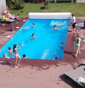 Ośrodek Diament Rewal basen leżaki